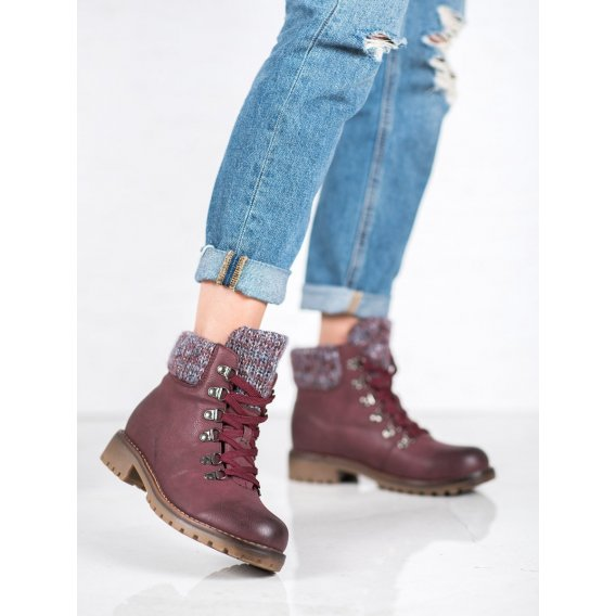 Šnurovacie topánky v bordovom odtieni