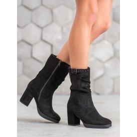 Vysoké topánky s prackou