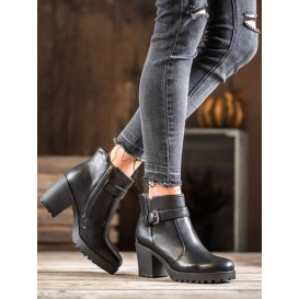 Členkové topánky s prackou