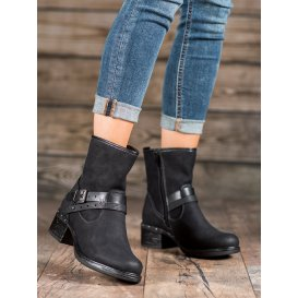 Vysoké topánky s prackami