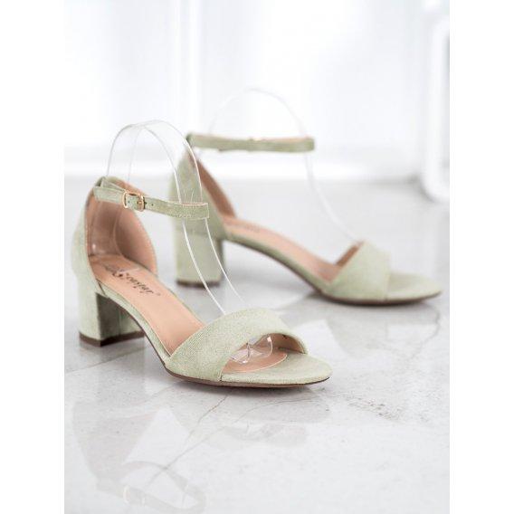 Pohodlné sandálky na podpätku