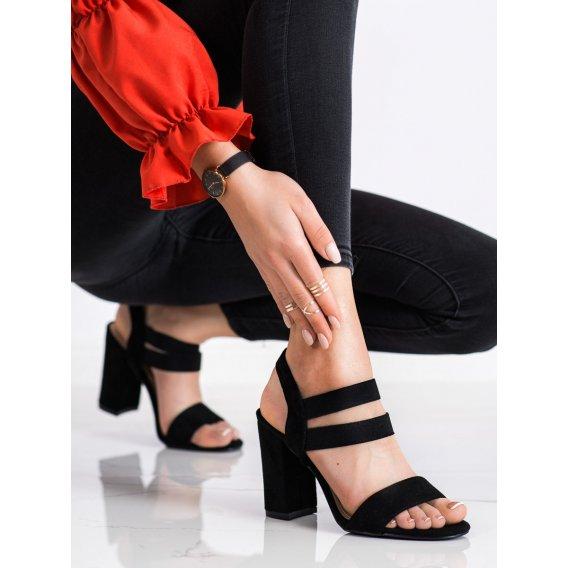 Nazúvacie sandálky na stĺpci