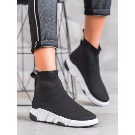 Nazúvacie čierne topánky