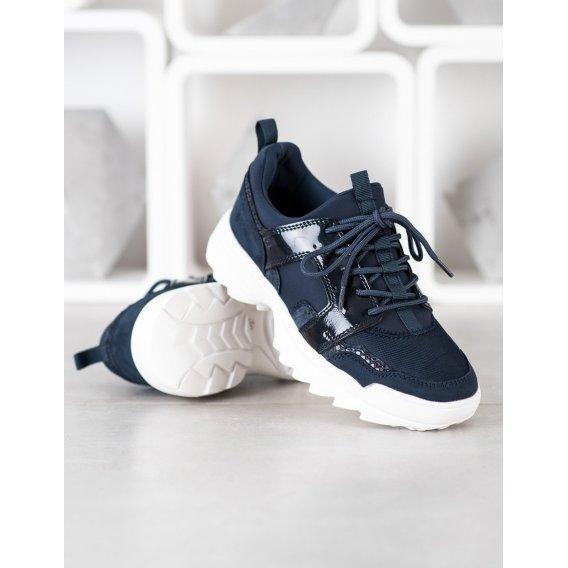 Tmavo modré tenisky