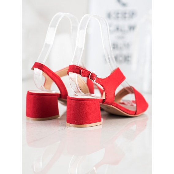 Červené sandálky na nízkom stĺpci