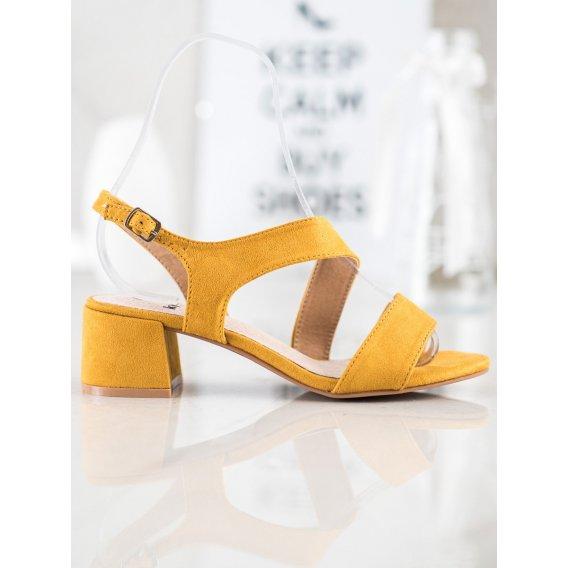 Žlté sandálky na nízkom stĺpci