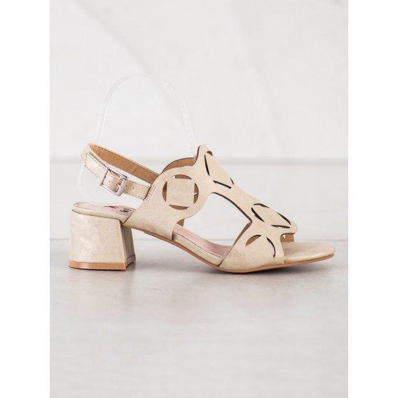 Elegantné sandálky s dierkovaným vzorom