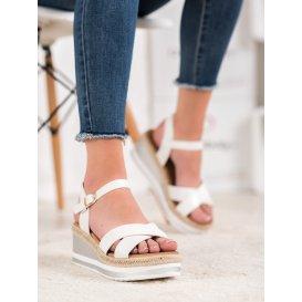 Biele sandálky na kline z eko kože
