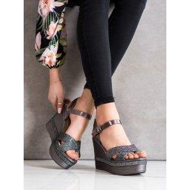 Brokátové sandálky na kline