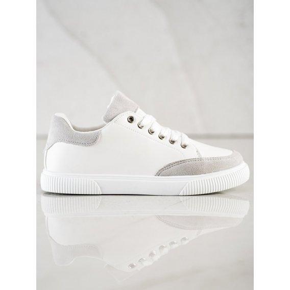 Štýlové biele tenisky