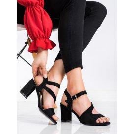 Módne sandálky na podpätku