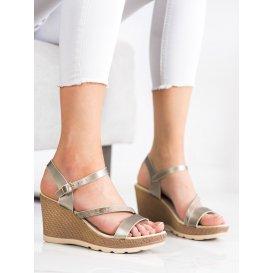 Strieborné sandálky na kline