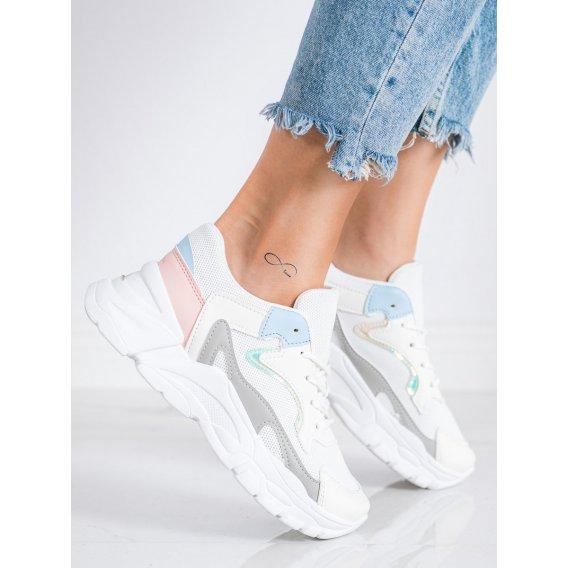 Štýlové sneakersy na platforme