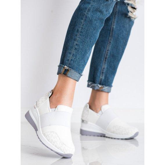 Nazúvacie biele sneakersy