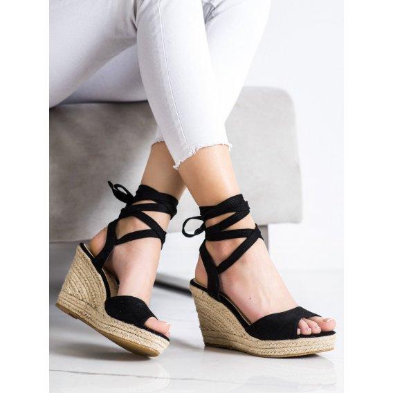 Viazané sandálky na kline