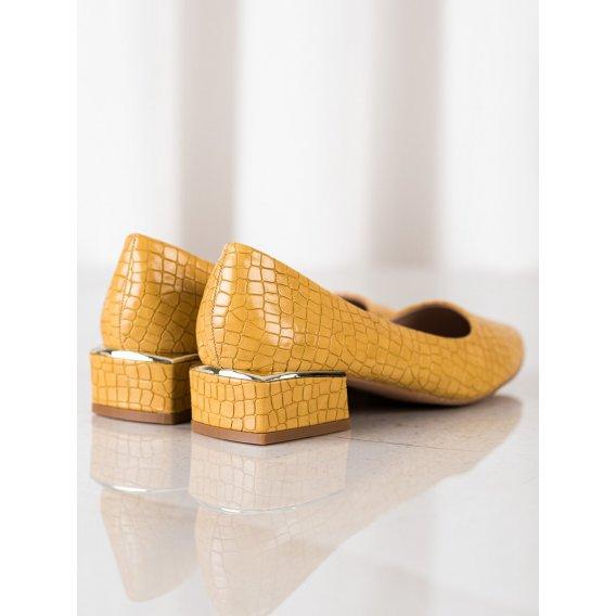 Žlté lodičky s hadím vzorom
