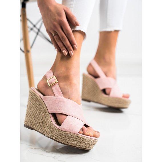 Sandálky na slamenom kline