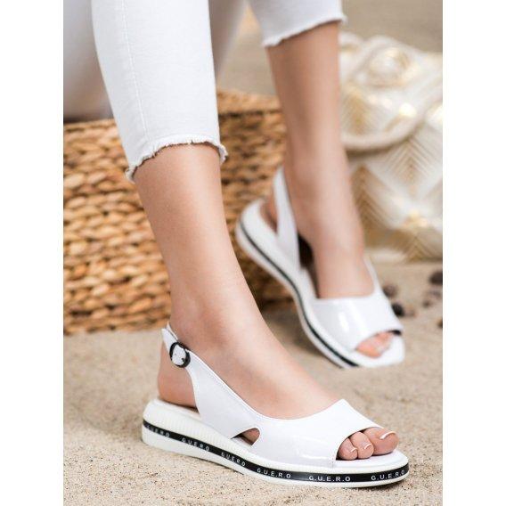 Pohodlné lakované sandálky