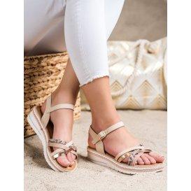 Módne sandálky na nízkom kline