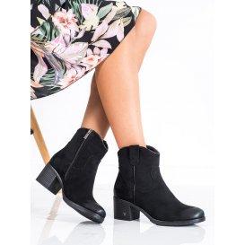 Pohodlné členkové topánky zo semišu